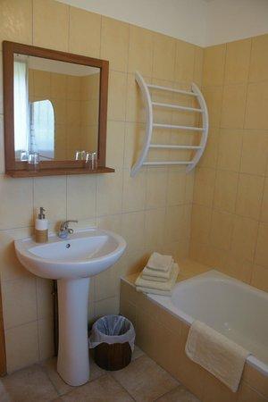 Les Chambres d'Hotes de Belinaire: Salle de bain