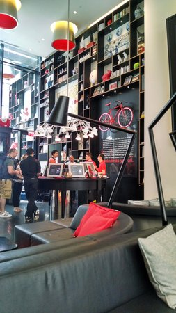 citizenM New York Times Square: check in kiosk