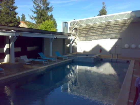Hotel Arles Plaza: Piccola piscina