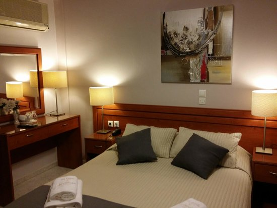 Hotel Chryssi Akti: Superior Double