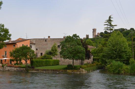 Borghetto sul Mincio: La riva opposta