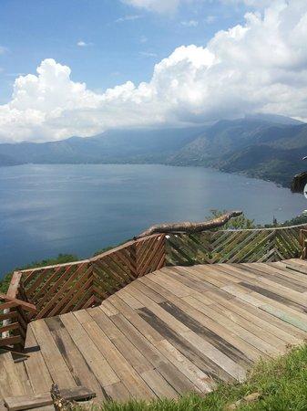 Lake Coatepeque: Beautiful views.