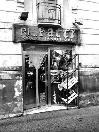 Hotel Aliai : litet Cafe i Sciacca