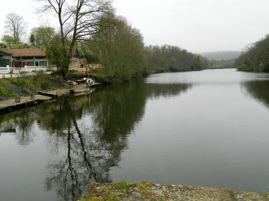 Silence Le Relais des Etangs de Guibert : Lake