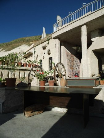 Cave Life Hotel: Terrace