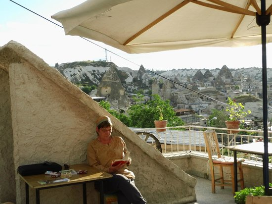 Cave Life Hotel : Relaxung at the terrace