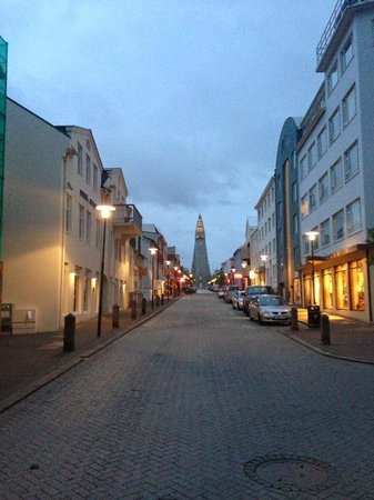 Eskimos Iceland: Out on the town