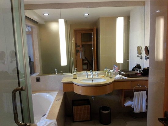 Windsor Park Hotel : room view 3