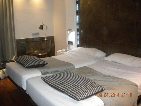 Hotel Francisco I: 部屋は清潔で一流ホテル並み