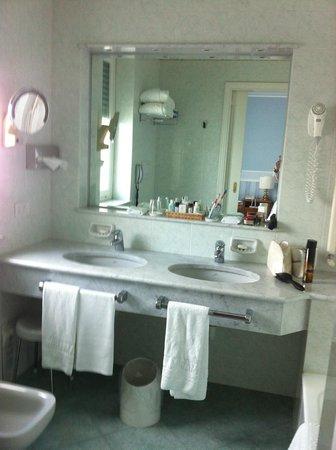 Grand Hotel Miramare: Bathroom 507