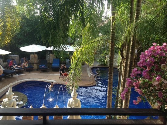 Club Bamboo Boutique Resort and Spa: View of the pool from our room