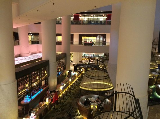 Pan Pacific Singapore: The lobby area