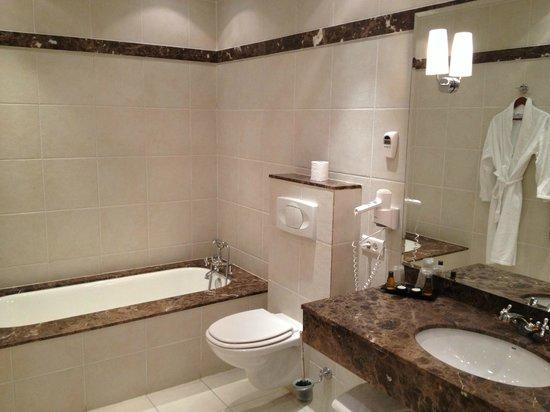 Villa Leopoldine : Salle de bain chambre 17