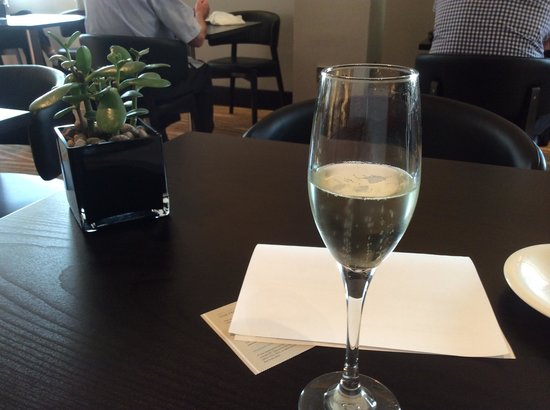 Hilton London Canary Wharf : executive lounge