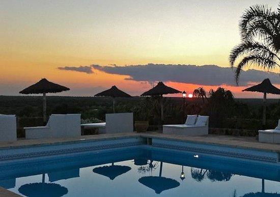 Es Turo Finca Hotel Rural: Pool am Abend