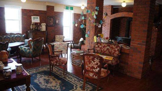 Niseko Freedom Inn: The lobby area