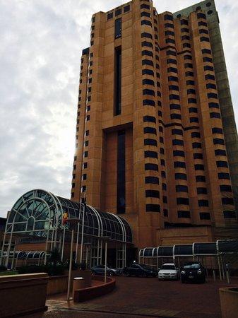 InterContinental Adelaide : Hotel Building