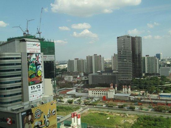 Grand Mercure Bangkok Fortune: Uitzicht vanaf kamer, voorkant