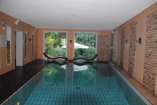 Hotel Schwarzenberg: Binnenzwembad