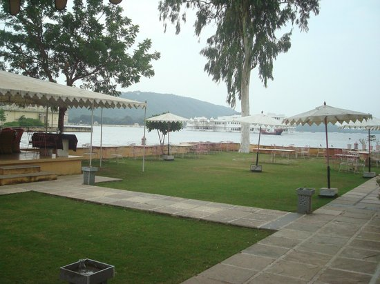 Raas Leela Luxury Camps: dining area..play area..