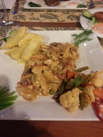 Shiraz Eat and Drink: Almond Chicken
