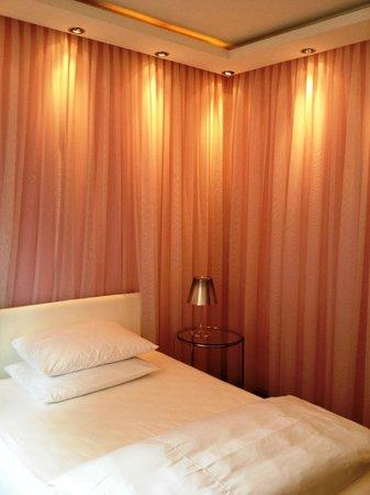 Hotel Aurora: Design Zimmer Nr. 26, EZ ohne Balkon