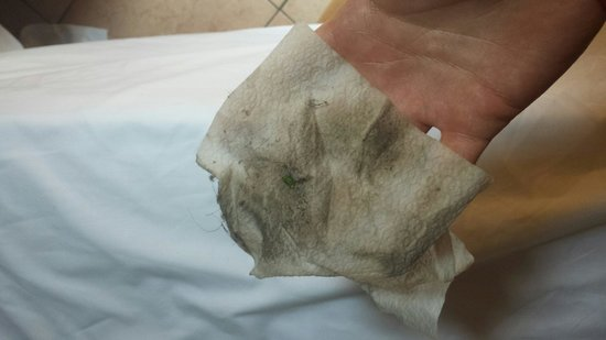 Hotel Pomezia: The product of thirty seconds wiping the floor. Imagine the results after using a pack of wipes.