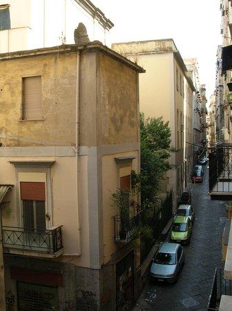 Olimpo degli Dei: Улочка, ведущая к отелю