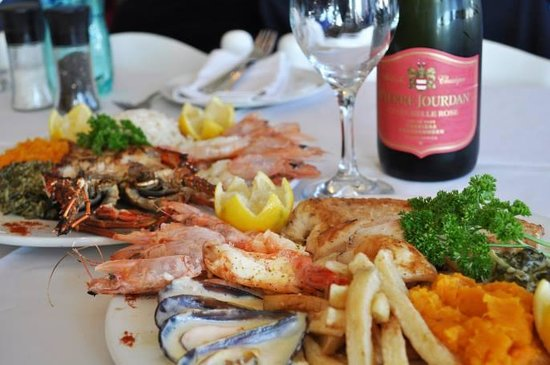 Ocean Blue: Fresh seafood & a glass of bubbly- perfect