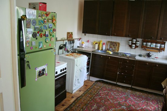 Lena's B&B: Our Kitchen-tasty place:)