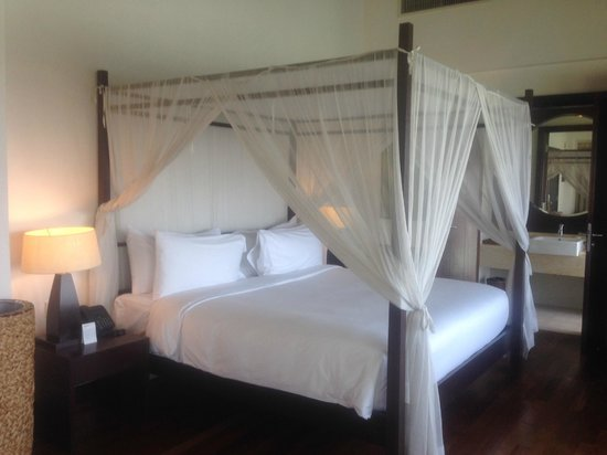AVANI Sepang Goldcoast Resort: King Size bed