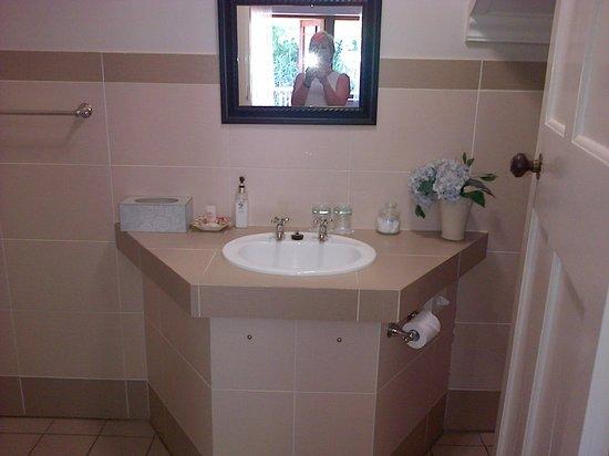 Roseland House: bathroom for number 10 bedroom