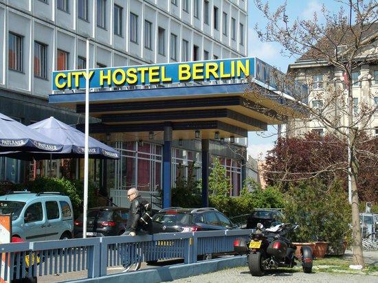 City Hostel Berlin: The outside
