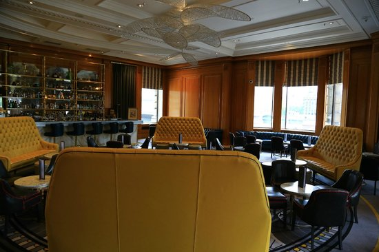 London Marriott Hotel County Hall: Bar