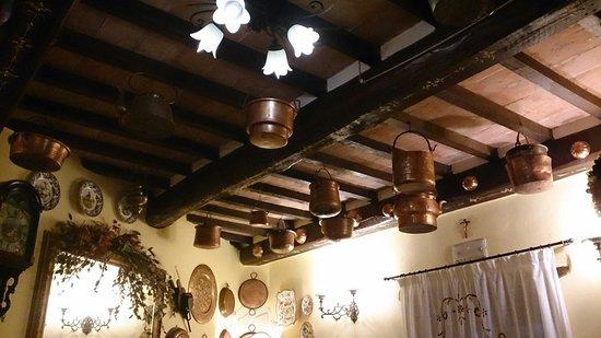 Torre Sangiovanni Albergo e Ristorante : Interni ristorante