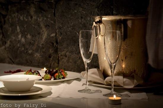 Bahia del Duque: романтическая ванна с шампанским
