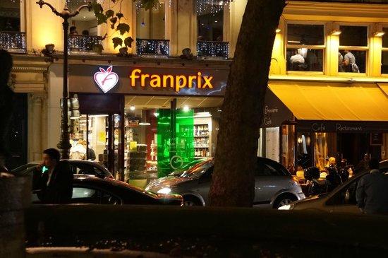 Normandy Hotel: 近くのスーパー