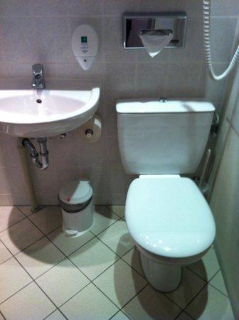 Ibis Dresden Lilienstein: Bathroom