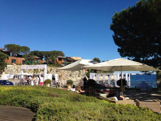 Le Meridien Beach Plaza : pool, terrace, lounge, beach