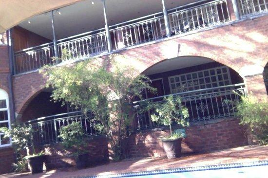 Faircity Quatermain Hotel: Pool Side