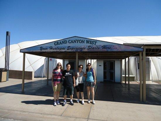 Grand Canyon Skywalk: Entrada para o centro de visitantes