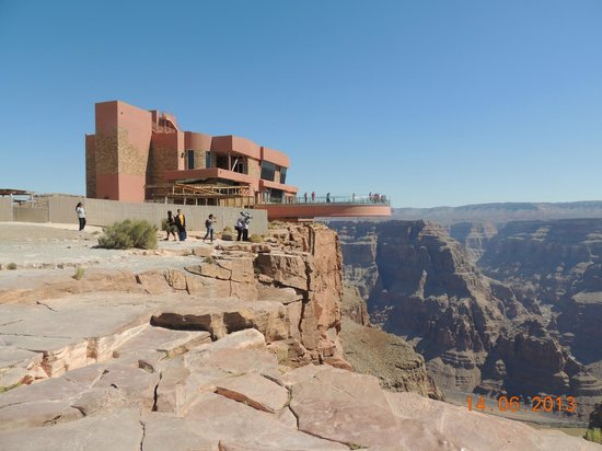 Grand Canyon Skywalk: Vista à distância do Skywalk