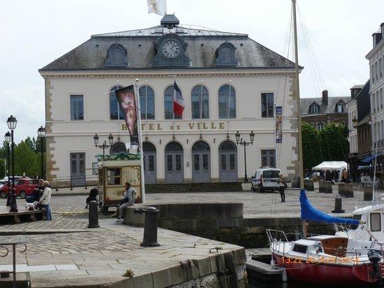 Les Fontaines : Mairie de Honfleur