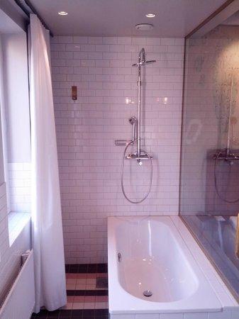 Story Hotel Riddargatan: Bathroom