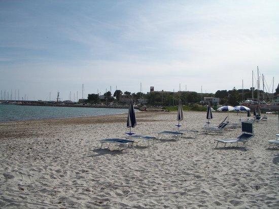 Vel Mari: Strand mit Liegen