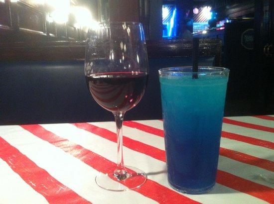 TGI Fridays : Wine and a slushee