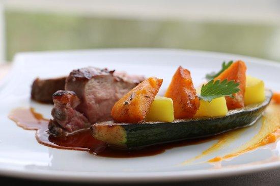 ASSA : Delightful fillet of veal, sautéed organic vegetables