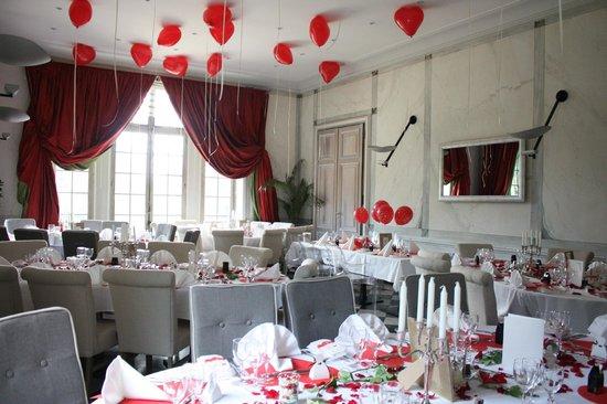 restaurant du chateau la demeure de la dame du fer la salle de restaurant - Chateau De Wendel Hayange Mariage