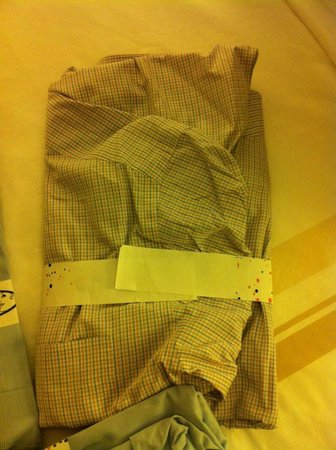 Houston Marriott Westchase : My hand finished laundry