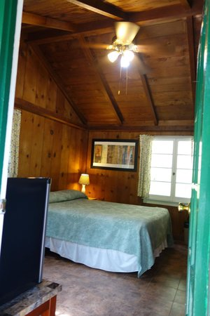 Ripplewood Resort: Cabin 12B - ideal size for us travelling as a couple